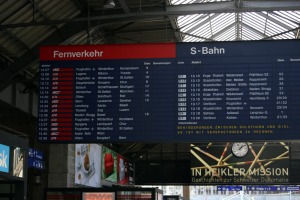 Train departure board Zurich Hbf 13.09.2007